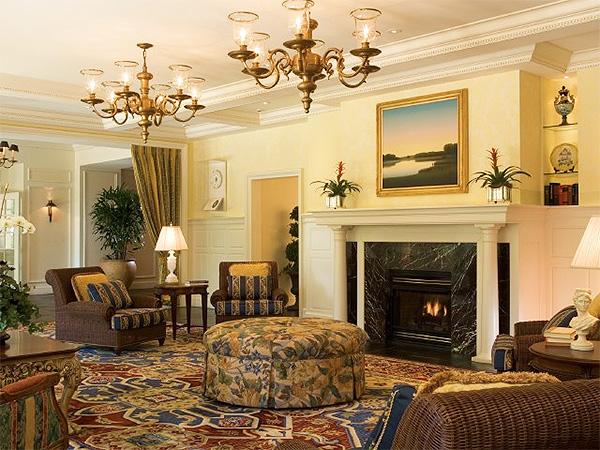 Люстры для гостиной (фото) - красивые варианты освещения